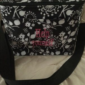 Cooler from thirty one for food and drinks